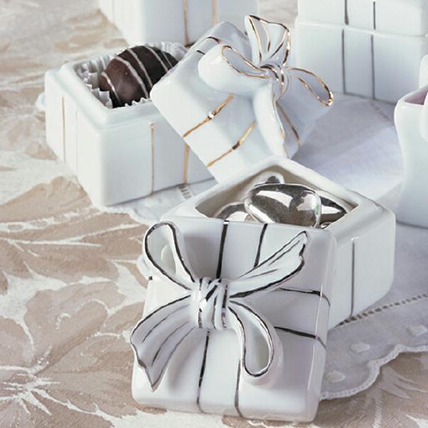 20 лет свадьбы какой подарок