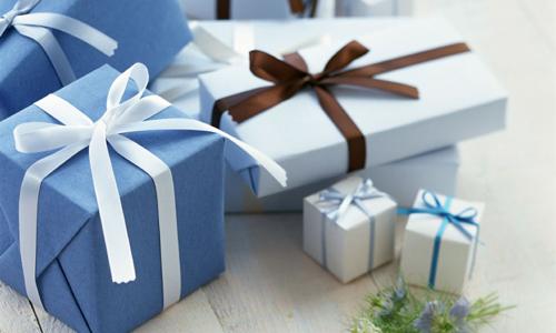 Чем поздравить брата? Как порадовать сестру? Выбираем подарки на 25-летие