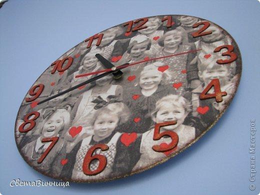 настенные часы с фотопортретами учеников
