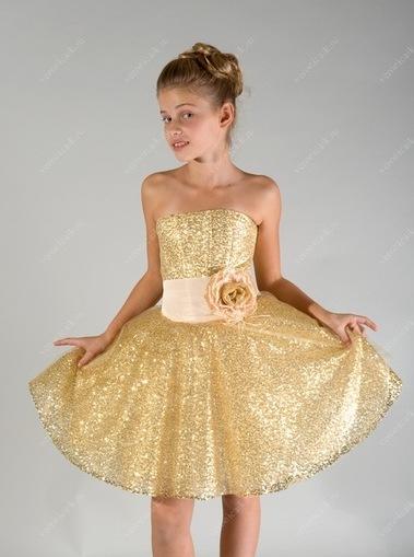 Девочка 9 лет в платье