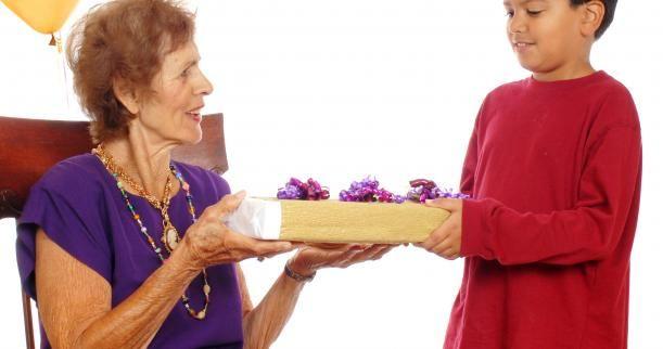 Подарок бабушке от внука