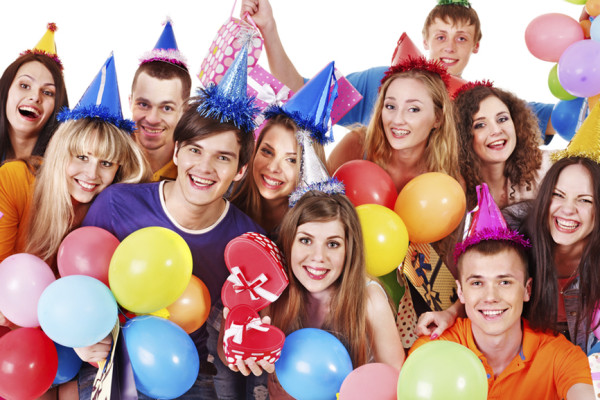 Весёлые конкурсы на день рождение для подростков