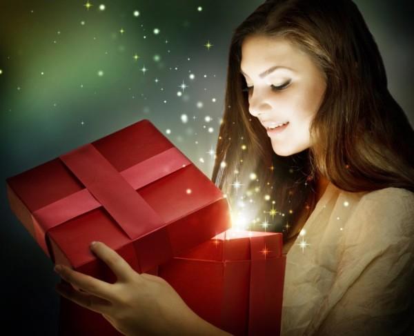 Что подарить девушке на 19 лет, идеи для выбора подарка