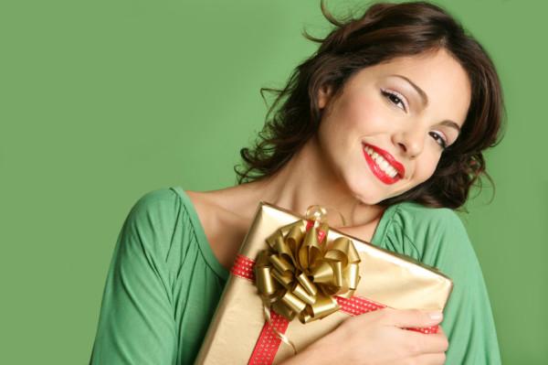 Что подарить девушке на день рождения – интересные варианты