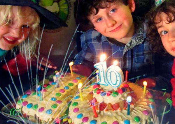 Имениннику десять лет – первый юбилей! Ищем достойный подарок