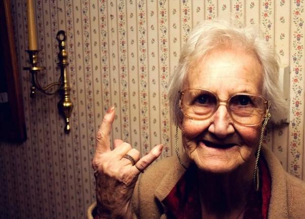Крутая бабушка