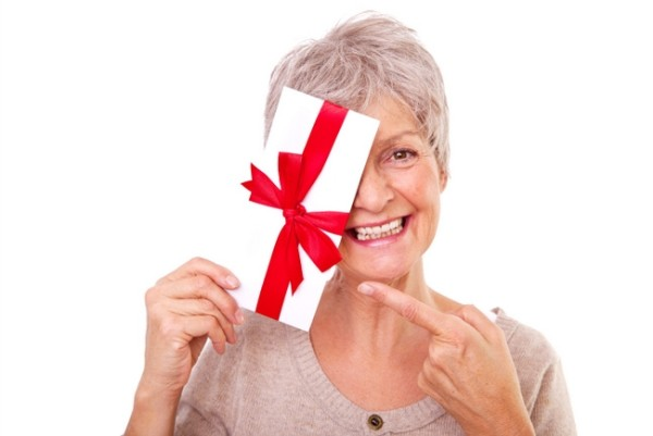 Что подарить свекрови: советы и идеи подарков