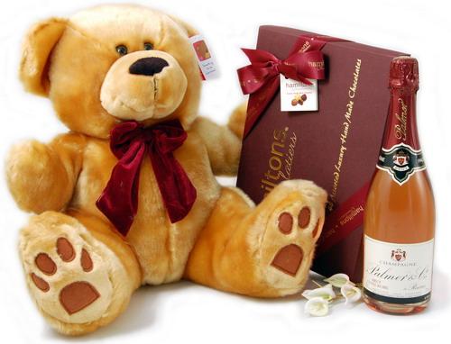 Идеи подарков на день рождения для любимой тети