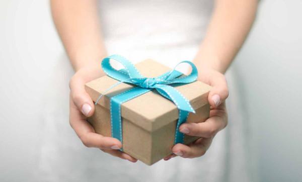 Подарок творческому человеку: советы и идеи