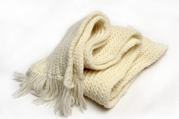 теплый белый шарф