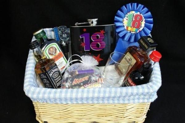 Алкогольный подарок на 18 лет