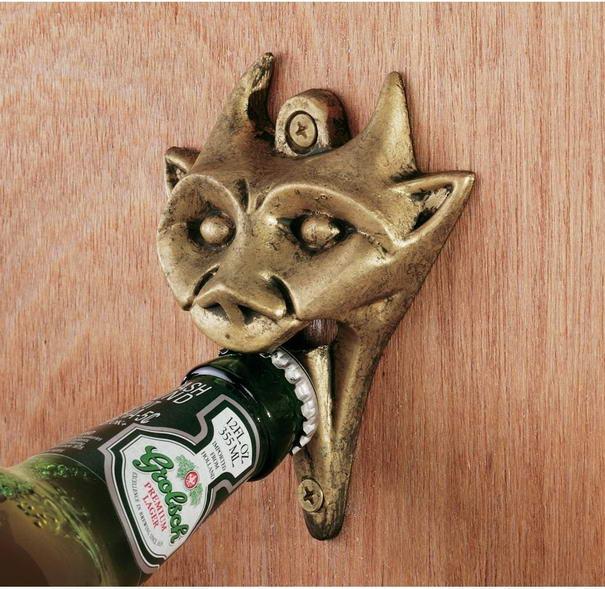 Открывалка для бутылок из латуни в стиле средневековья