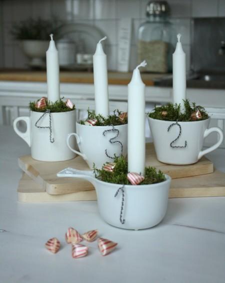 свечи в кофейных кружках