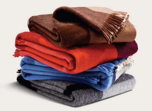 Теплые разноцветные шарфы