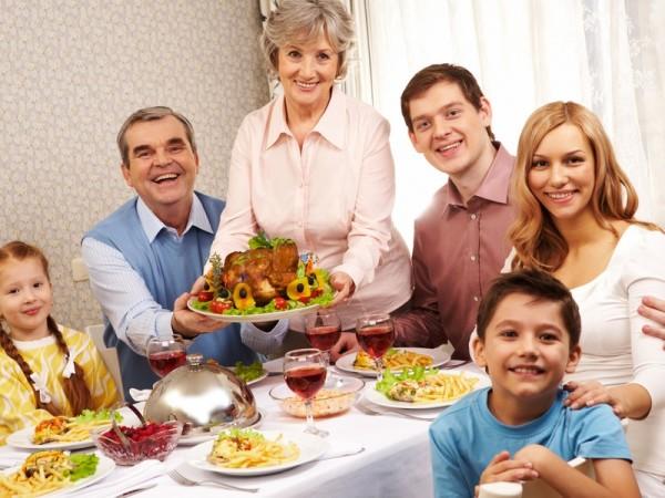 Вкусный ужин с семьей