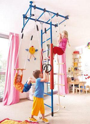 маленький спортивный уголок для детской комнаты