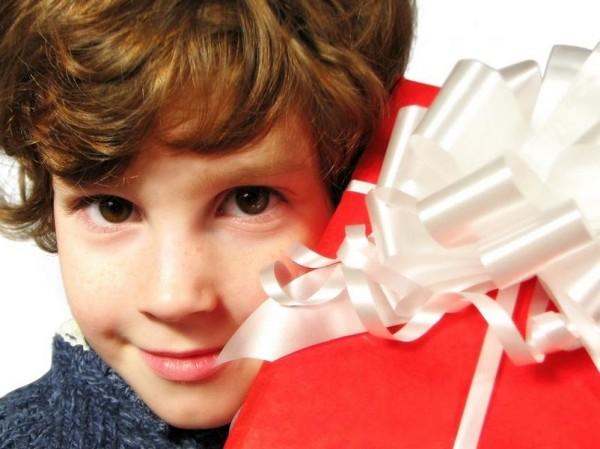 Что подарить мальчику на 14 лет, ведь ребенок скоро станет взрослым