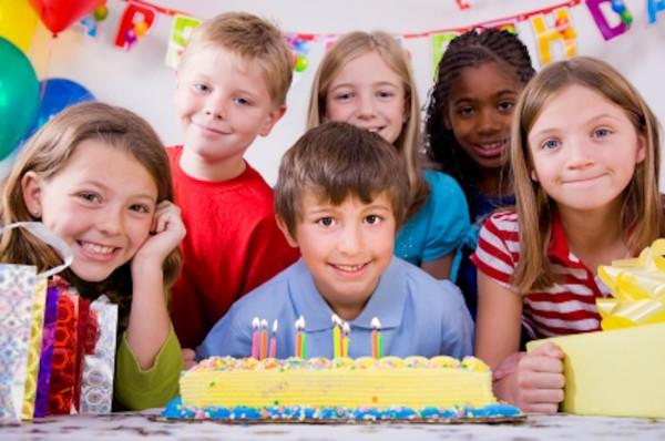 Ребенку скоро 13 лет. Что подарить мальчику на юбилейный день рождения