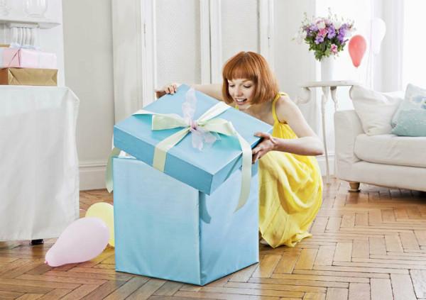 Подарки для подруги на 21 год и старше – выбираем оригинальные идеи!