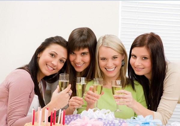 Выбрать подарок подруге на 25 лет – миссия выполнима!