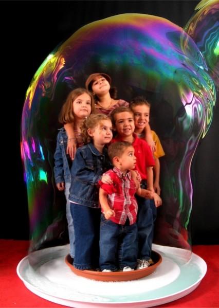 шоу гигантский мыльных пузырей