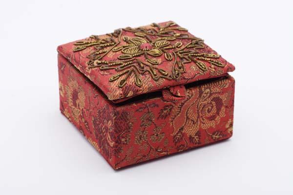 шкатулка для украшений и разных мелочей