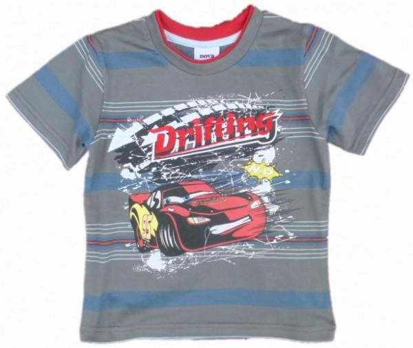 Модно украшенная футболка для мальчика
