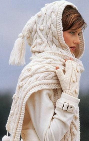 теплый шарф с капюшоном и карманами