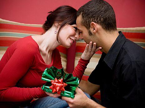 Тридцать лет мужу – выбираем лучший подарок к юбилею любимого!