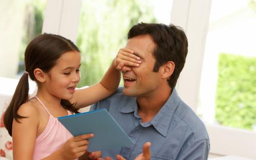 Как узнать свой подарить дочери на 8