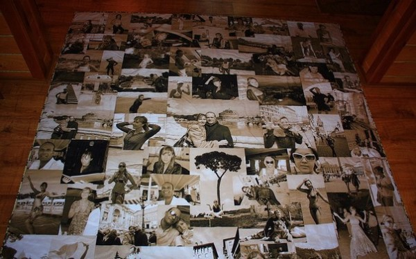 одеяло с напечатанными на нем семейными фотографиями