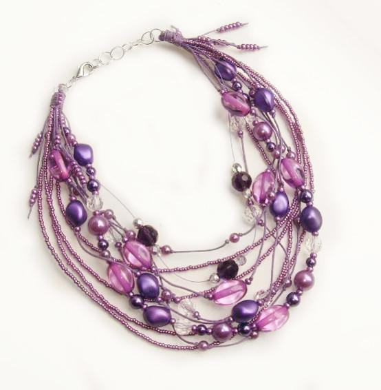 173f33f3584a5 Что еще можно подарить маме недорогого, но стильного? Например, изящный  браслет! Маме понравится, как и любой женщине, потому что браслеты – это  всегда ...