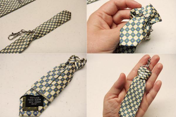 стильный брелок галстук