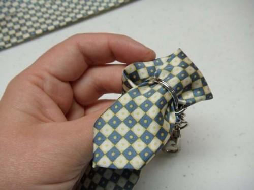 Брелок галстук