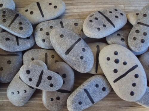 Домино из камней