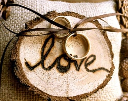 Деревянная свадьба – первый юбилей. Что дарить в этот день?