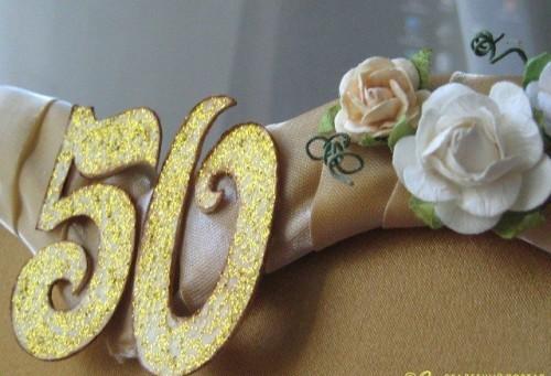 Самый важный день в жизни семьи – золотая свадьба. Какой подарок достоин этой редкой даты?