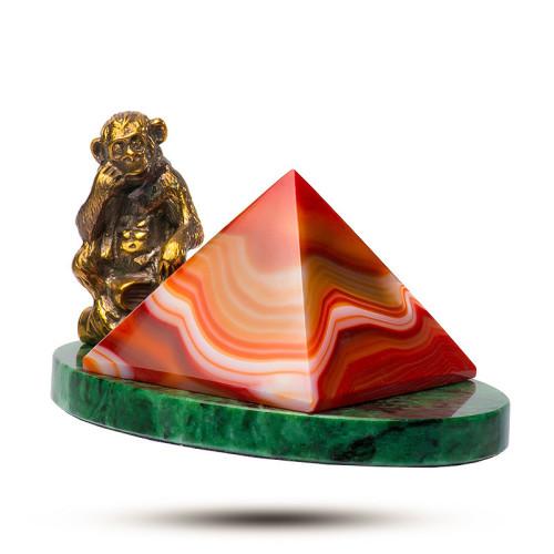 статуэтка из агата