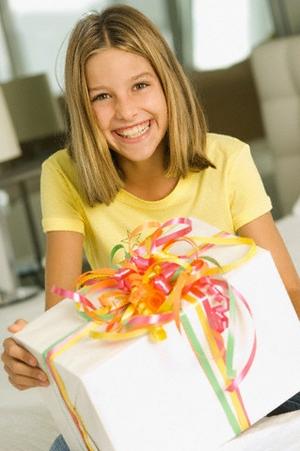Подарок на 14 лет девочке. Что выбрать?