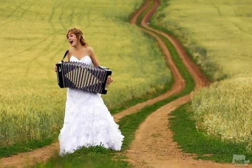 Сделать свадебный презент своими руками? Почему бы и нет!