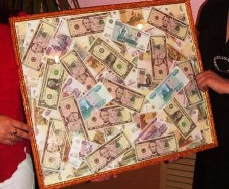 Картина из денег
