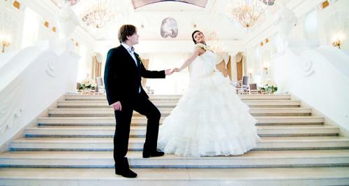 На свадьбу: что может молодая жена подарить любимому?
