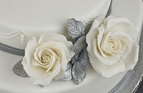 Идеальный подарок существует: поздравляем друзей с серебряной свадьбой оригинально!
