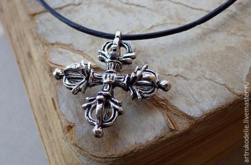 Нательный крест в подарок жениху на годовщину