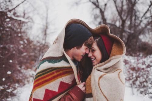 Тёплый плед в подарок мужу на годовщину свадьбы