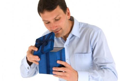 Идеи подарков мужчинам на каждый случай. Сто лучших решений!