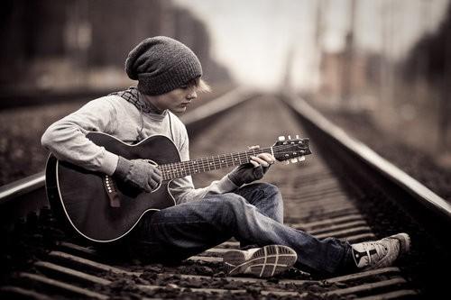 Гитара в подарок, как выбрать?