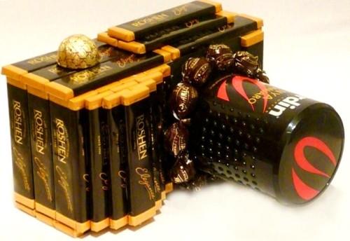 Фотоаппарат из конфет в подарок мужчине