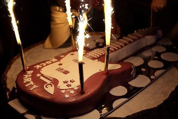 Лучшие подарки для гитаристов. Со вкусом и с пользой!