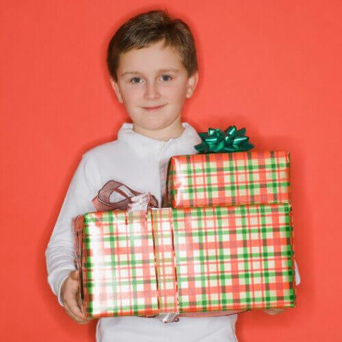 Подарки для сына. Найдем то, что ему понравится!